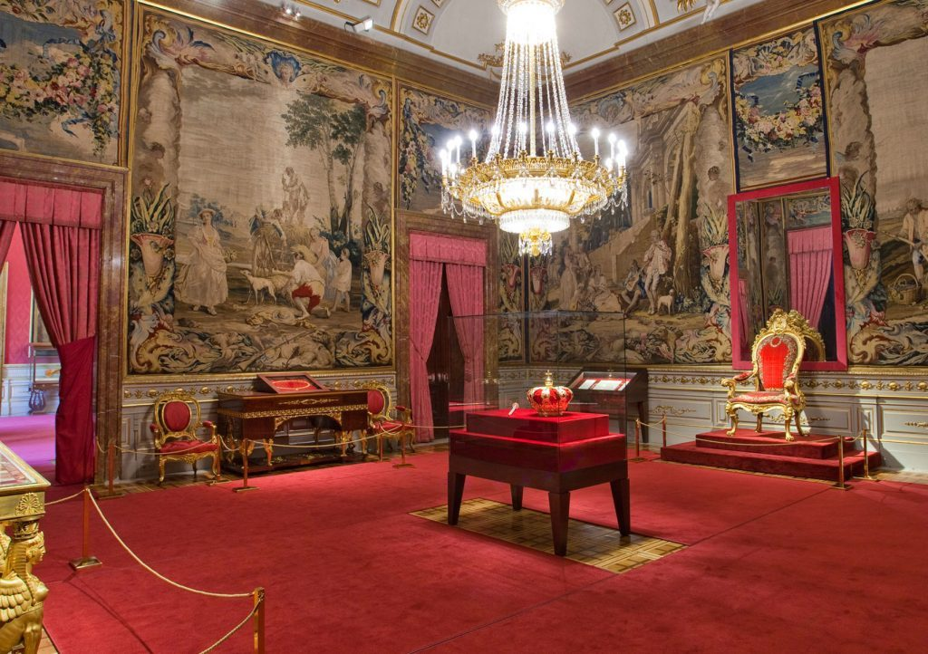 Madrid Museum Tours Madrid Palaces – Glamour and History (The Royal Palace of Madrid or The Royal Palace of El Pardo)