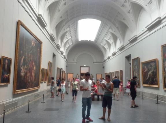 https://madridmuseumtours.com/wp-content/uploads/2017/07/museo-del-Prado-en-verano.jpg