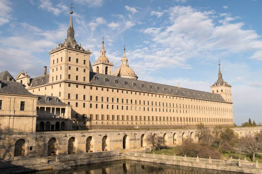 TOLEDO AND ESCORIAL FULL DAY PRIVATE VAN TOUR FROM MADRID