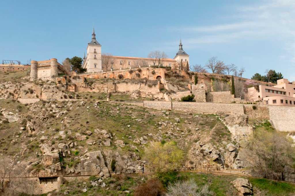 Toledo-view-to-Alcazar