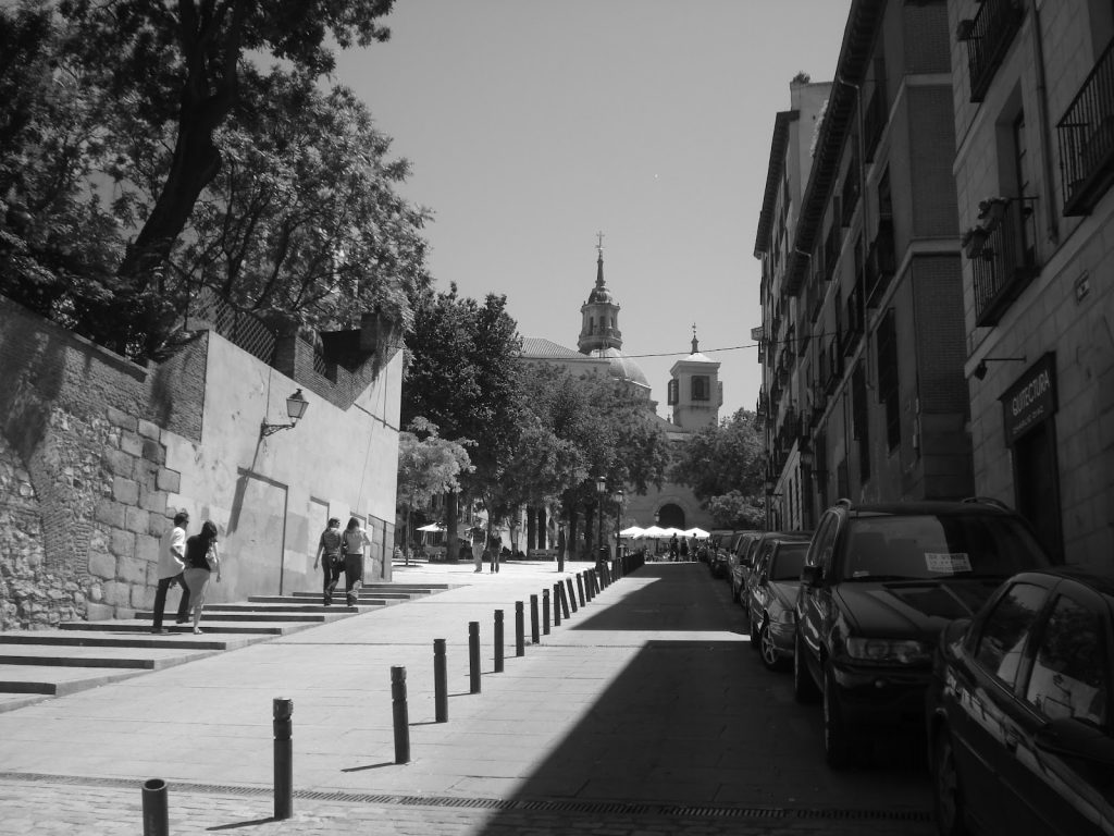 madrid private tours black and white