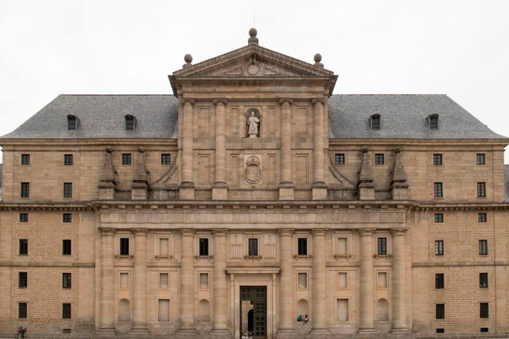 monastery-of-escorial-facade