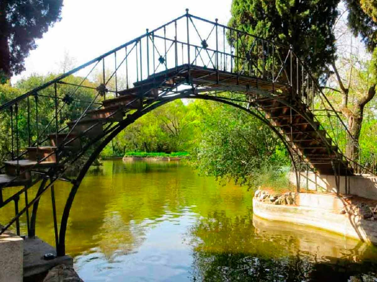 madrid-downtown-and-madrid-countryside-private-tours.-Bridge-over-Tajo