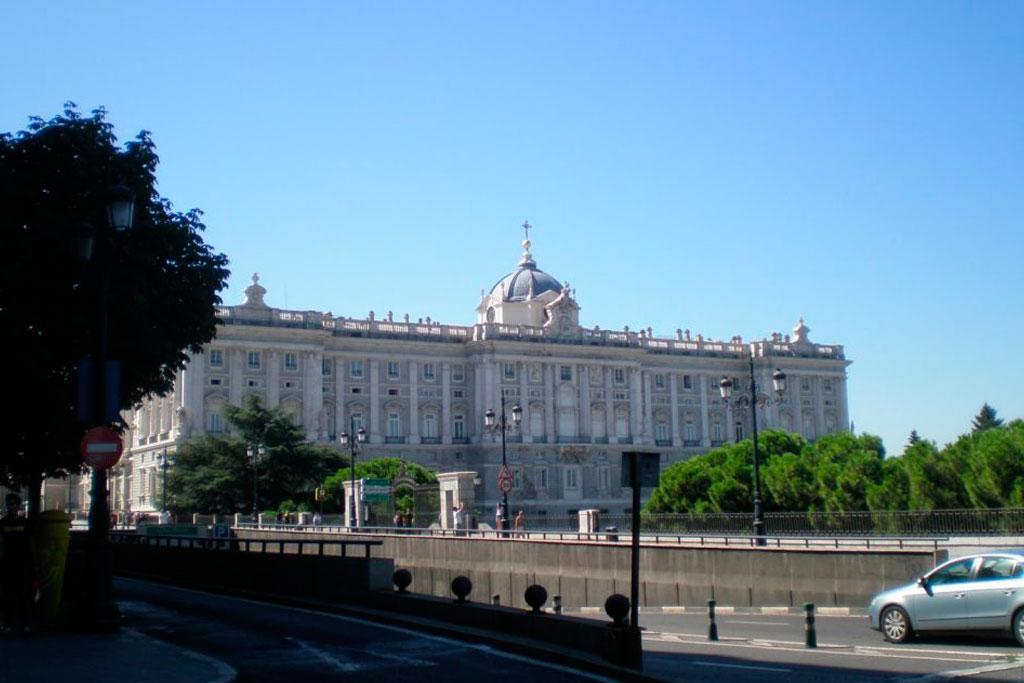 royal-palace-view